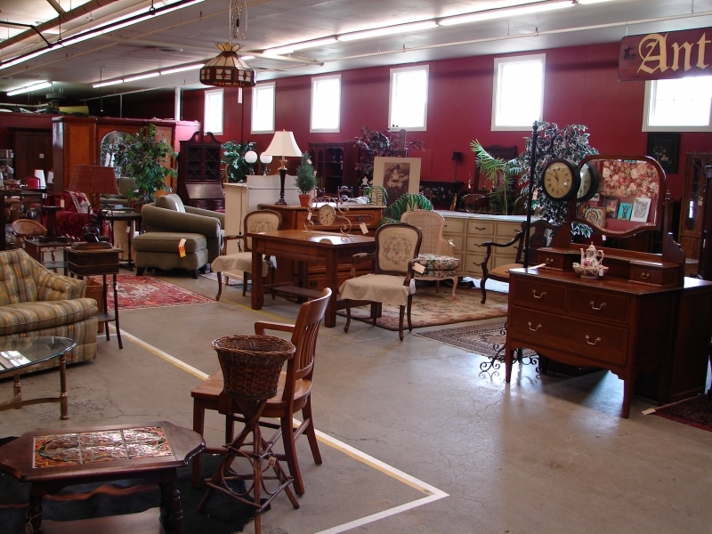 Antique Shops, Portland, OR, Living Room And Bedroom Sets Photo -  Monticello Antique. Furniture Consignment ... - Consignment Furniture, Oregon - Monticello Antique Market