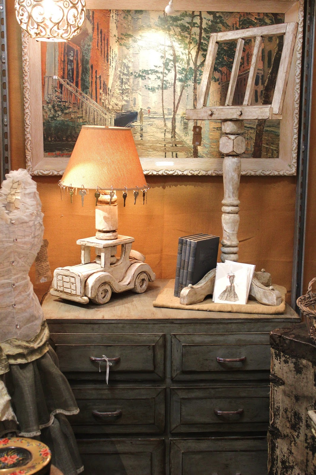 Antique Home Decor in Portland - Antique Home Decor, Portland - Monticello Antique Market